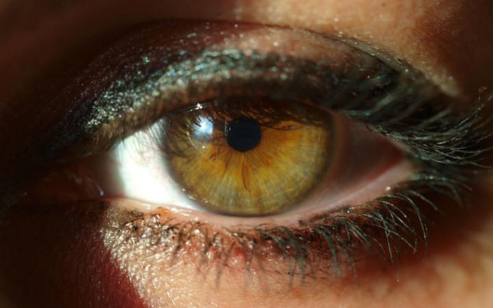 http://en.wikipedia.org/wiki/File:A_woman%27s_eye.JPG