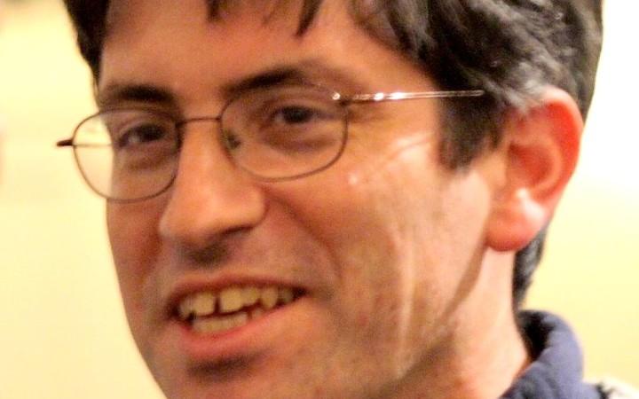 http://en.wikipedia.org/wiki/File:Carl_Zimmer,_October_16,_2007.jpg