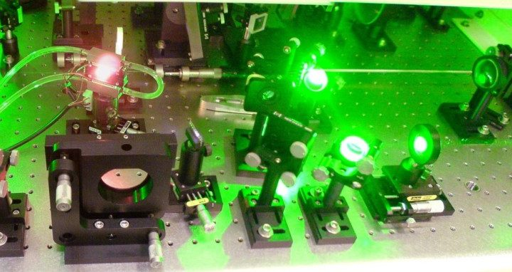 The spectroscopy experiments that sit at the heart of the proton radius puzzle rely on strong lasers. By FDominec via Wikimedia Commons.